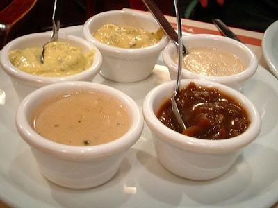 cate calorii au sosurile lista calorii alimente sosuri ulei