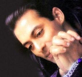 PE CINE IUBESTE Salman Khan, Salman Khan ARE NEVasta?